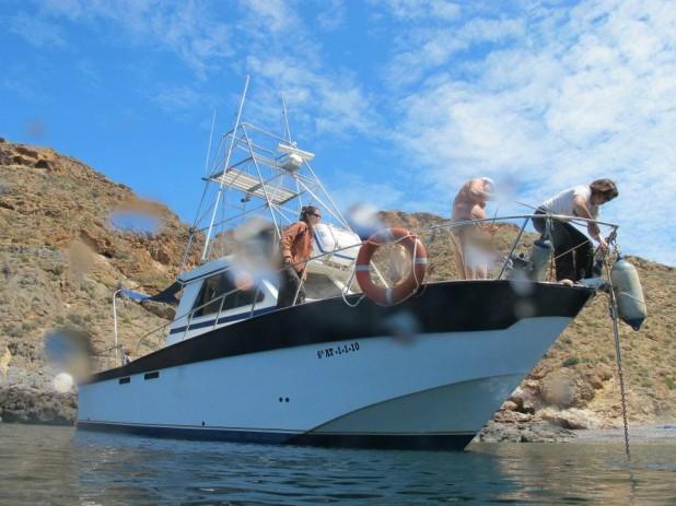 Rutas de Tierra y Mar - Nuevo barco para la observación de cetáceos