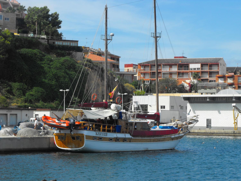 Goleta en Puerto de Mazarron